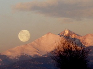 Full Moon in Colorado