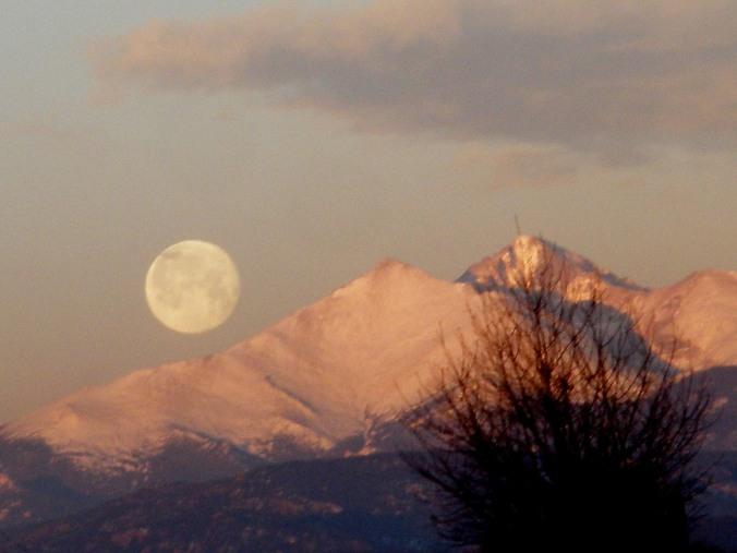 Full Moon in Colorado