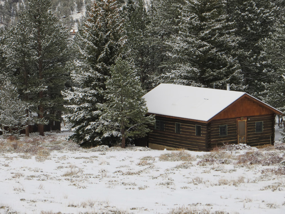 rocky mountain log cabin2